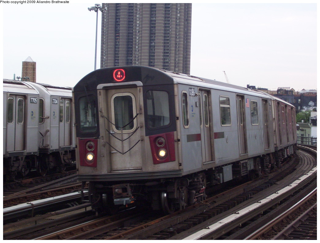 (207k, 1044x791)<br><b>Country:</b> United States<br><b>City:</b> New York<br><b>System:</b> New York City Transit<br><b>Line:</b> IRT Woodlawn Line<br><b>Location:</b> Bedford Park Boulevard <br><b>Route:</b> 4 express<br><b>Car:</b> R-142 (Option Order, Bombardier, 2002-2003)  1196 <br><b>Photo by:</b> Aliandro Brathwaite<br><b>Date:</b> 6/8/2009<br><b>Viewed (this week/total):</b> 8 / 1244