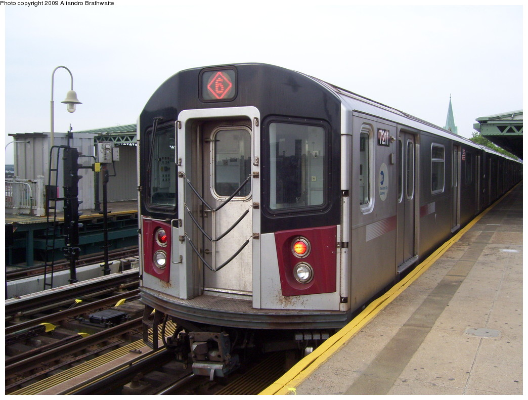 (214k, 1044x791)<br><b>Country:</b> United States<br><b>City:</b> New York<br><b>System:</b> New York City Transit<br><b>Line:</b> IRT Pelham Line<br><b>Location:</b> Westchester Square <br><b>Route:</b> 6<br><b>Car:</b> R-142A (Primary Order, Kawasaki, 1999-2002)  7211 <br><b>Photo by:</b> Aliandro Brathwaite<br><b>Date:</b> 6/8/2009<br><b>Viewed (this week/total):</b> 3 / 1300