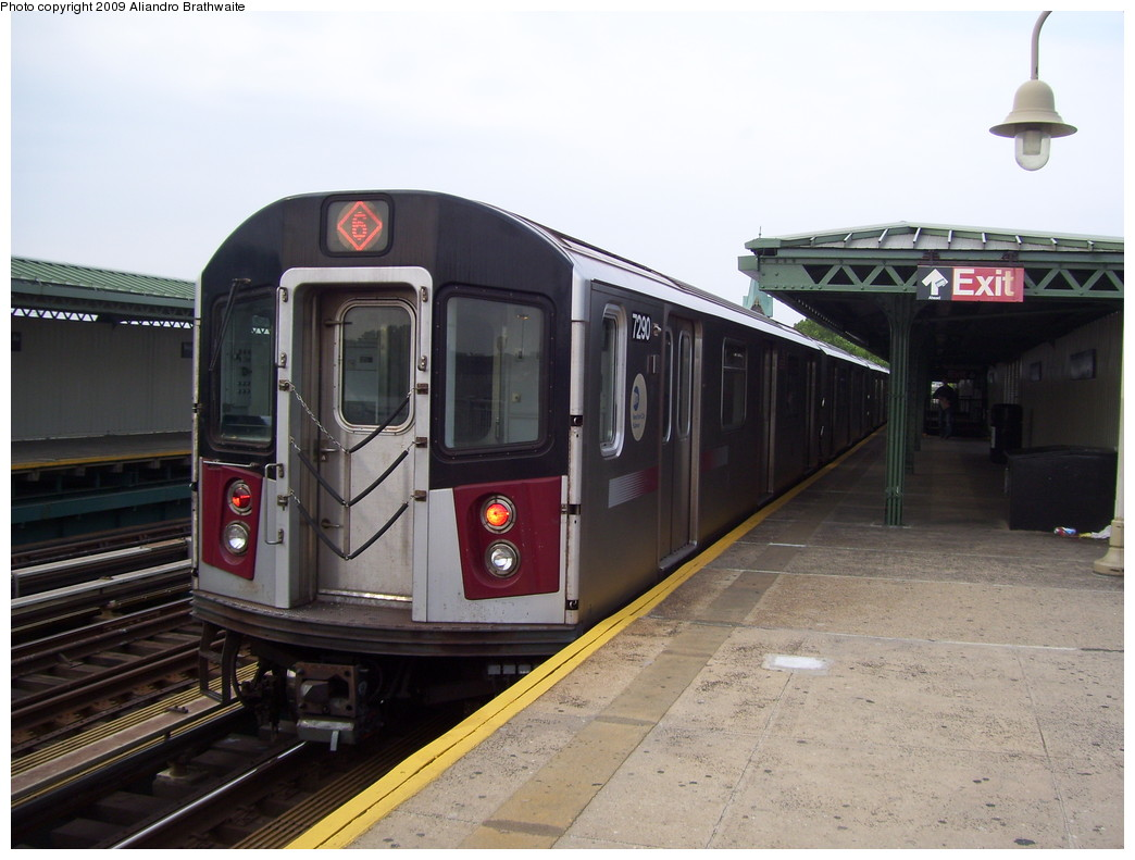 (198k, 1044x791)<br><b>Country:</b> United States<br><b>City:</b> New York<br><b>System:</b> New York City Transit<br><b>Line:</b> IRT Pelham Line<br><b>Location:</b> Westchester Square <br><b>Route:</b> 6<br><b>Car:</b> R-142A (Primary Order, Kawasaki, 1999-2002)  7290 <br><b>Photo by:</b> Aliandro Brathwaite<br><b>Date:</b> 6/8/2009<br><b>Viewed (this week/total):</b> 4 / 485