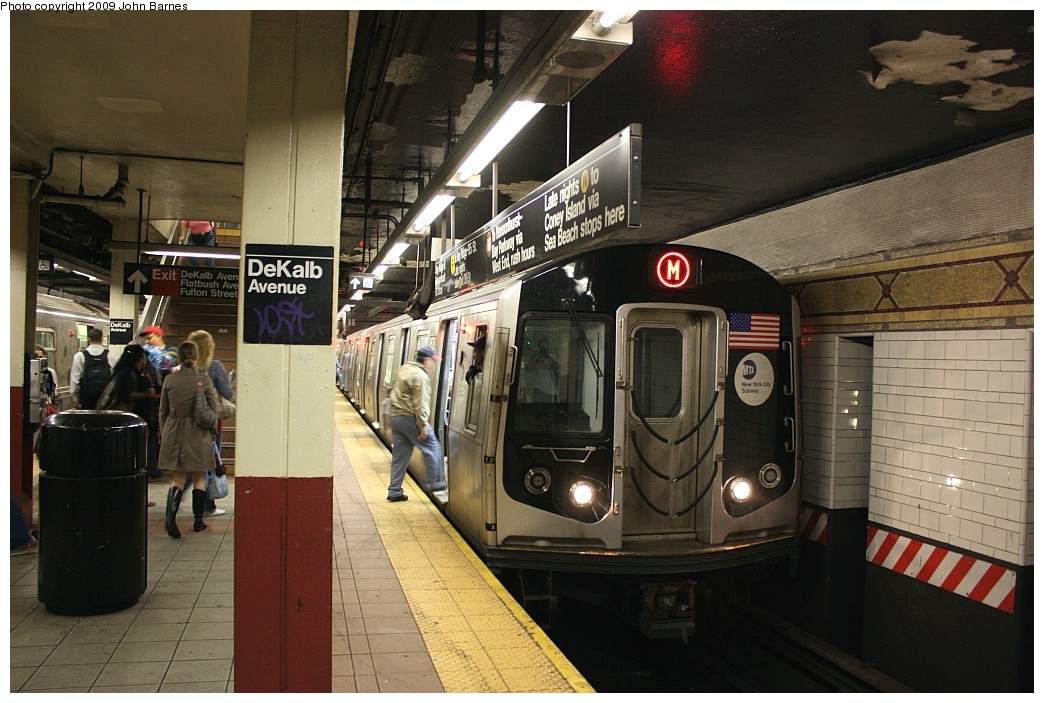 (208k, 1044x703)<br><b>Country:</b> United States<br><b>City:</b> New York<br><b>System:</b> New York City Transit<br><b>Location:</b> DeKalb Avenue<br><b>Route:</b> M<br><b>Car:</b> R-160A-1 (Alstom, 2005-2008, 4 car sets)  8528 <br><b>Photo by:</b> John Barnes<br><b>Date:</b> 6/15/2009<br><b>Viewed (this week/total):</b> 1 / 1220