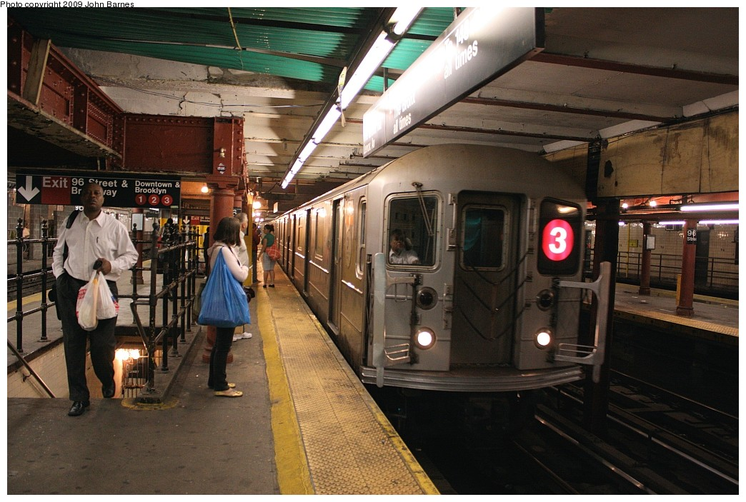 (223k, 1044x703)<br><b>Country:</b> United States<br><b>City:</b> New York<br><b>System:</b> New York City Transit<br><b>Line:</b> IRT West Side Line<br><b>Location:</b> 96th Street <br><b>Route:</b> 3<br><b>Car:</b> R-62 (Kawasaki, 1983-1985)  1581 <br><b>Photo by:</b> John Barnes<br><b>Date:</b> 6/15/2009<br><b>Viewed (this week/total):</b> 3 / 1339