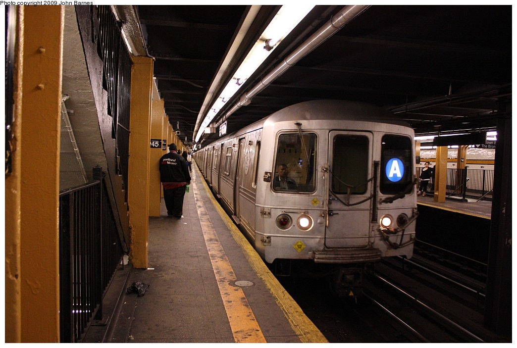 (204k, 1044x703)<br><b>Country:</b> United States<br><b>City:</b> New York<br><b>System:</b> New York City Transit<br><b>Line:</b> IND 8th Avenue Line<br><b>Location:</b> 145th Street <br><b>Route:</b> A<br><b>Car:</b> R-44 (St. Louis, 1971-73) 5274 <br><b>Photo by:</b> John Barnes<br><b>Date:</b> 6/15/2009<br><b>Viewed (this week/total):</b> 0 / 1499
