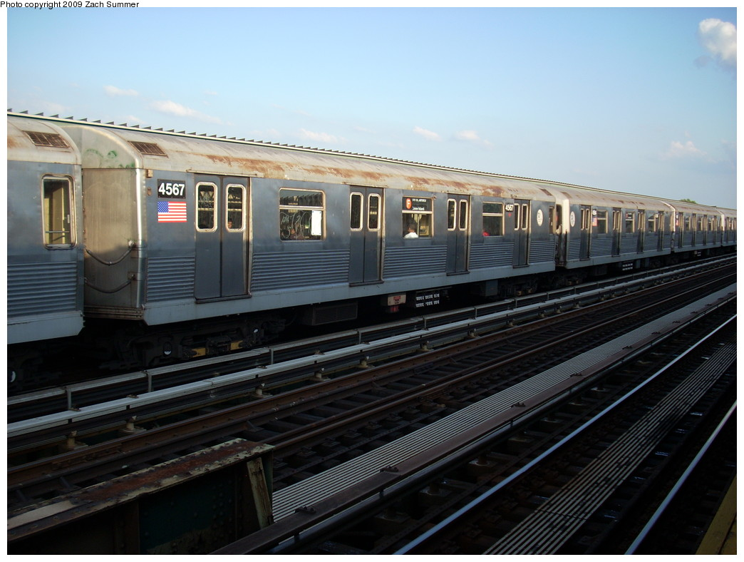 (230k, 1044x788)<br><b>Country:</b> United States<br><b>City:</b> New York<br><b>System:</b> New York City Transit<br><b>Line:</b> BMT Culver Line<br><b>Location:</b> Avenue N <br><b>Route:</b> F<br><b>Car:</b> R-42 (St. Louis, 1969-1970)  4567 <br><b>Photo by:</b> Zach Summer<br><b>Date:</b> 5/31/2009<br><b>Viewed (this week/total):</b> 3 / 1000