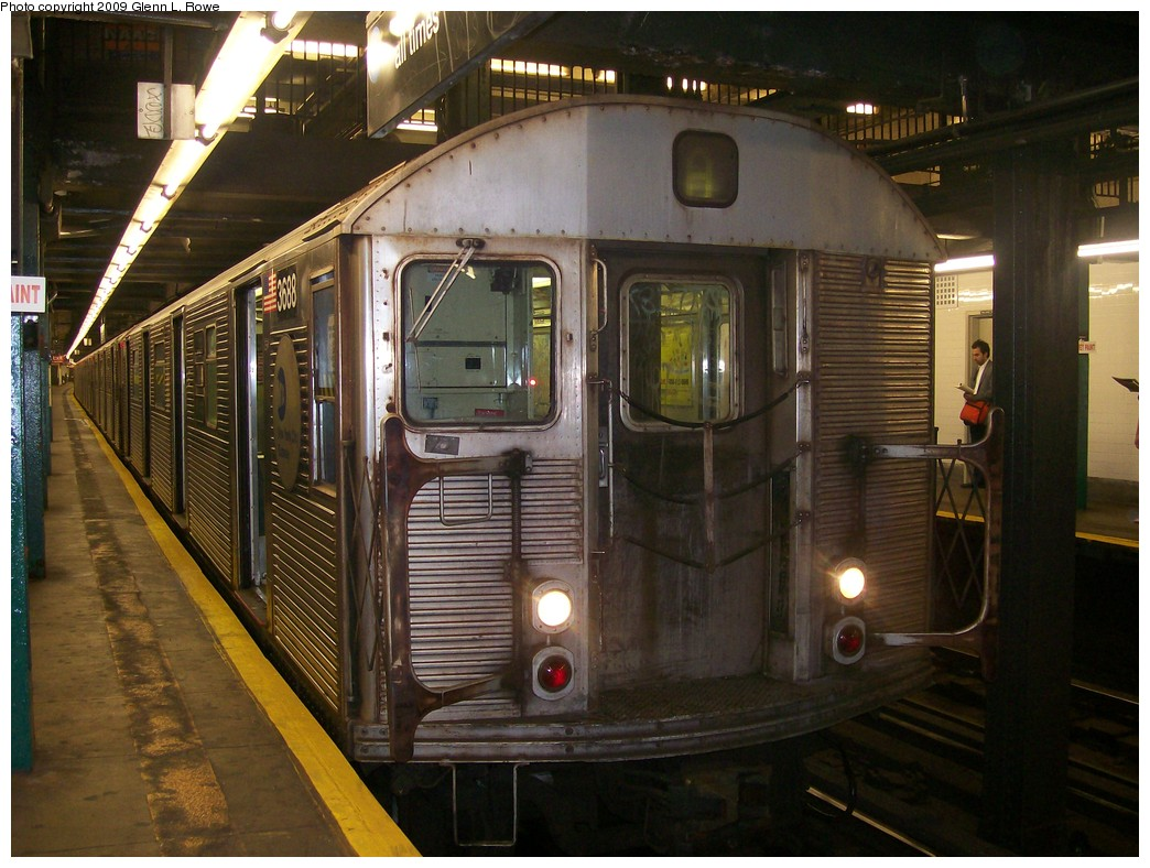 (221k, 1044x788)<br><b>Country:</b> United States<br><b>City:</b> New York<br><b>System:</b> New York City Transit<br><b>Line:</b> IND 8th Avenue Line<br><b>Location:</b> 181st Street <br><b>Route:</b> A<br><b>Car:</b> R-32 (Budd, 1964)  3688 <br><b>Photo by:</b> Glenn L. Rowe<br><b>Date:</b> 6/30/2009<br><b>Viewed (this week/total):</b> 6 / 625