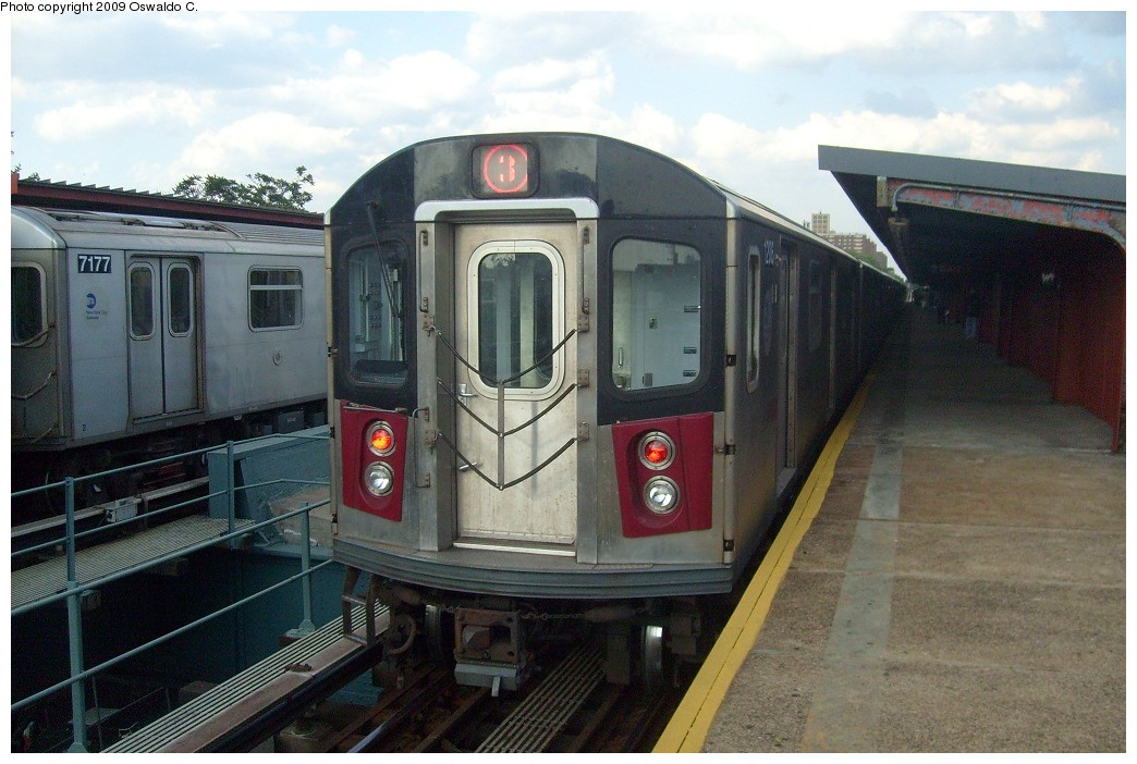 (225k, 1044x702)<br><b>Country:</b> United States<br><b>City:</b> New York<br><b>System:</b> New York City Transit<br><b>Line:</b> IRT Brooklyn Line<br><b>Location:</b> Saratoga Avenue <br><b>Route:</b> 3<br><b>Car:</b> R-142 or R-142A (Number Unknown)  <br><b>Photo by:</b> Oswaldo C.<br><b>Date:</b> 5/31/2009<br><b>Viewed (this week/total):</b> 1 / 1622