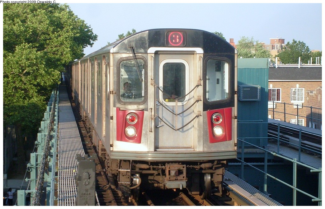 (287k, 1044x671)<br><b>Country:</b> United States<br><b>City:</b> New York<br><b>System:</b> New York City Transit<br><b>Line:</b> IRT Brooklyn Line<br><b>Location:</b> Saratoga Avenue <br><b>Route:</b> 3<br><b>Car:</b> R-142 or R-142A (Number Unknown)  <br><b>Photo by:</b> Oswaldo C.<br><b>Date:</b> 5/31/2009<br><b>Viewed (this week/total):</b> 1 / 1308