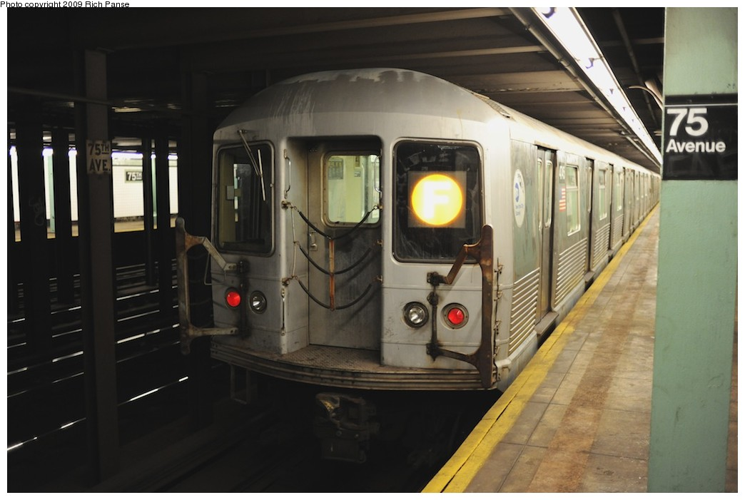 (139k, 1044x701)<br><b>Country:</b> United States<br><b>City:</b> New York<br><b>System:</b> New York City Transit<br><b>Line:</b> IND Queens Boulevard Line<br><b>Location:</b> 75th Avenue <br><b>Route:</b> F<br><b>Car:</b> R-42 (St. Louis, 1969-1970)   <br><b>Photo by:</b> Richard Panse<br><b>Date:</b> 6/8/2009<br><b>Viewed (this week/total):</b> 13 / 931