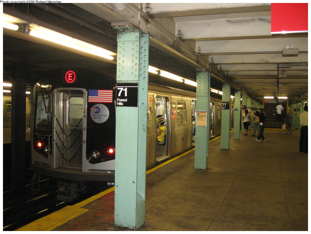 (222k, 1044x788)<br><b>Country:</b> United States<br><b>City:</b> New York<br><b>System:</b> New York City Transit<br><b>Line:</b> IND Queens Boulevard Line<br><b>Location:</b> 71st/Continental Aves./Forest Hills <br><b>Route:</b> E<br><b>Car:</b> R-160B (Option 1) (Kawasaki, 2008-2009)  9168 <br><b>Photo by:</b> Robert Mencher<br><b>Date:</b> 7/4/2009<br><b>Viewed (this week/total):</b> 1 / 1118