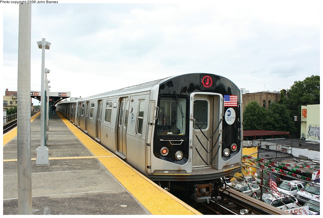 (211k, 1044x703)<br><b>Country:</b> United States<br><b>City:</b> New York<br><b>System:</b> New York City Transit<br><b>Line:</b> BMT Nassau Street/Jamaica Line<br><b>Location:</b> Van Siclen Avenue <br><b>Route:</b> J<br><b>Car:</b> R-160A-1 (Alstom, 2005-2008, 4 car sets)  8401 <br><b>Photo by:</b> John Barnes<br><b>Date:</b> 6/22/2009<br><b>Viewed (this week/total):</b> 1 / 572