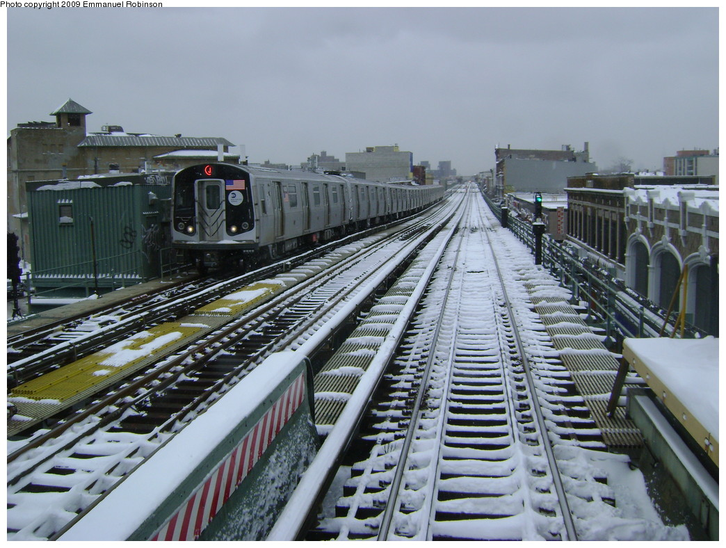 (268k, 1044x788)<br><b>Country:</b> United States<br><b>City:</b> New York<br><b>System:</b> New York City Transit<br><b>Line:</b> BMT Nassau Street/Jamaica Line<br><b>Location:</b> Chauncey Street <br><b>Route:</b> J<br><b>Car:</b> R-160A-1 (Alstom, 2005-2008, 4 car sets)   <br><b>Photo by:</b> Emmanuel Robinson<br><b>Date:</b> 3/2/2009<br><b>Viewed (this week/total):</b> 7 / 1397