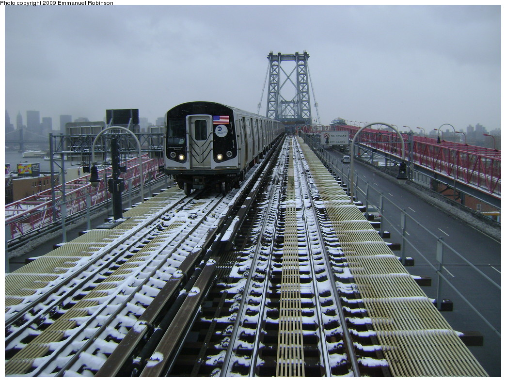 (299k, 1044x788)<br><b>Country:</b> United States<br><b>City:</b> New York<br><b>System:</b> New York City Transit<br><b>Line:</b> BMT Nassau Street/Jamaica Line<br><b>Location:</b> Williamsburg Bridge<br><b>Car:</b> R-160A-1 (Alstom, 2005-2008, 4 car sets)   <br><b>Photo by:</b> Emmanuel Robinson<br><b>Date:</b> 3/2/2009<br><b>Viewed (this week/total):</b> 0 / 1093