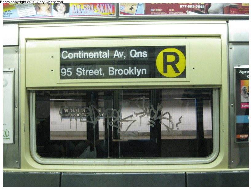 (123k, 820x620)<br><b>Country:</b> United States<br><b>City:</b> New York<br><b>System:</b> New York City Transit<br><b>Route:</b> R<br><b>Car:</b> R-42 (St. Louis, 1969-1970)  4590 <br><b>Photo by:</b> Gary Chatterton<br><b>Date:</b> 7/3/2009<br><b>Viewed (this week/total):</b> 1 / 644