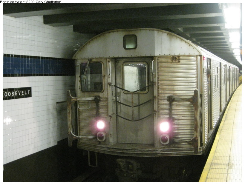 (126k, 820x620)<br><b>Country:</b> United States<br><b>City:</b> New York<br><b>System:</b> New York City Transit<br><b>Line:</b> IND Queens Boulevard Line<br><b>Location:</b> Roosevelt Avenue <br><b>Route:</b> Work Service<br><b>Car:</b> R-32 (Budd, 1964)  3746 <br><b>Photo by:</b> Gary Chatterton<br><b>Date:</b> 7/3/2009<br><b>Viewed (this week/total):</b> 0 / 768