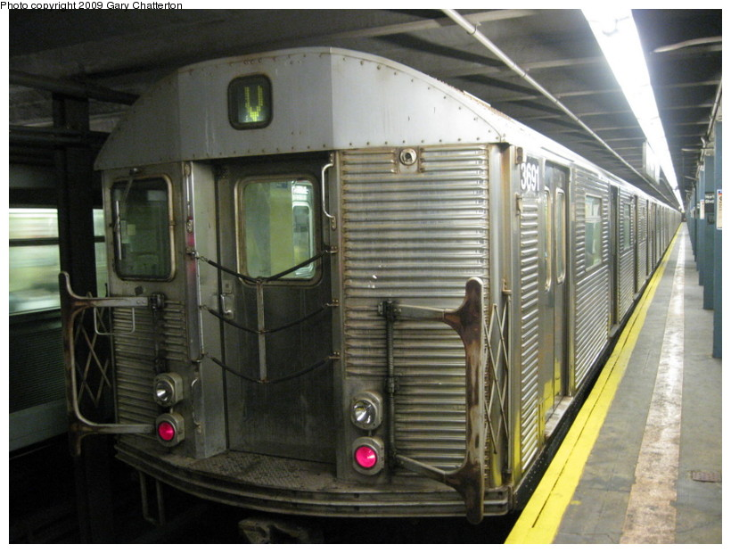 (138k, 820x620)<br><b>Country:</b> United States<br><b>City:</b> New York<br><b>System:</b> New York City Transit<br><b>Line:</b> IND Queens Boulevard Line<br><b>Location:</b> Northern Boulevard <br><b>Route:</b> V<br><b>Car:</b> R-32 (Budd, 1964)  3691 <br><b>Photo by:</b> Gary Chatterton<br><b>Date:</b> 7/9/2009<br><b>Viewed (this week/total):</b> 1 / 613