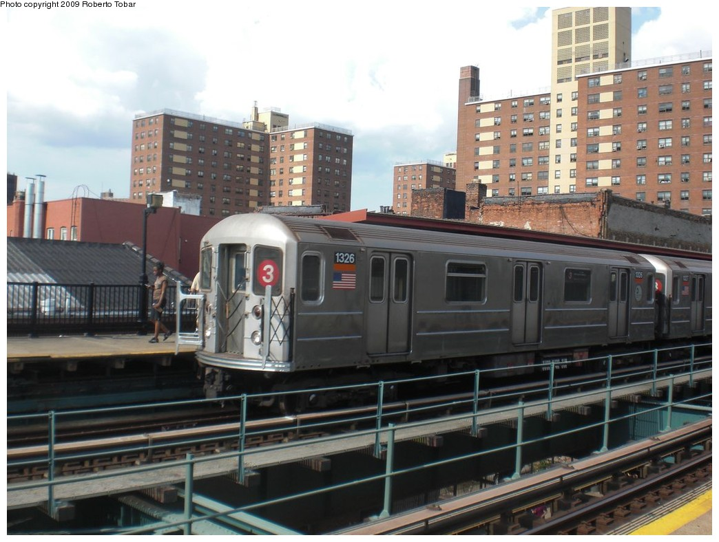 (232k, 1044x788)<br><b>Country:</b> United States<br><b>City:</b> New York<br><b>System:</b> New York City Transit<br><b>Line:</b> IRT Brooklyn Line<br><b>Location:</b> Rockaway Avenue <br><b>Route:</b> 3<br><b>Car:</b> R-62 (Kawasaki, 1983-1985)  1326 <br><b>Photo by:</b> Roberto C. Tobar<br><b>Date:</b> 6/27/2009<br><b>Viewed (this week/total):</b> 3 / 885
