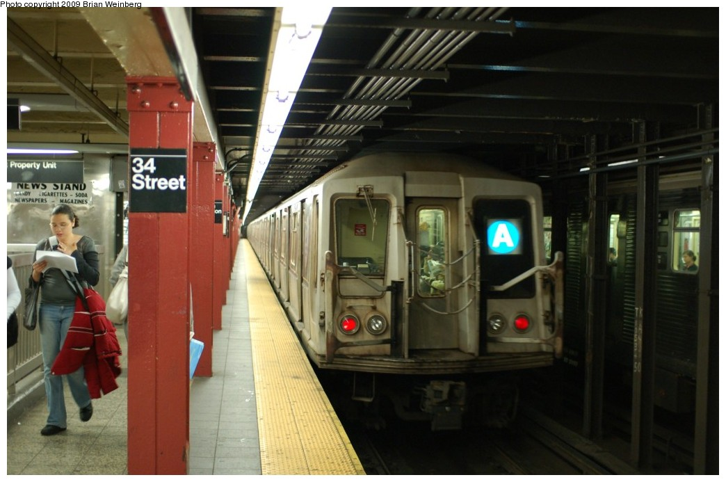 (215k, 1044x693)<br><b>Country:</b> United States<br><b>City:</b> New York<br><b>System:</b> New York City Transit<br><b>Line:</b> IND 8th Avenue Line<br><b>Location:</b> 34th Street/Penn Station <br><b>Route:</b> A<br><b>Car:</b> R-40 (St. Louis, 1968)  4356 <br><b>Photo by:</b> Brian Weinberg<br><b>Date:</b> 6/4/2009<br><b>Viewed (this week/total):</b> 1 / 801