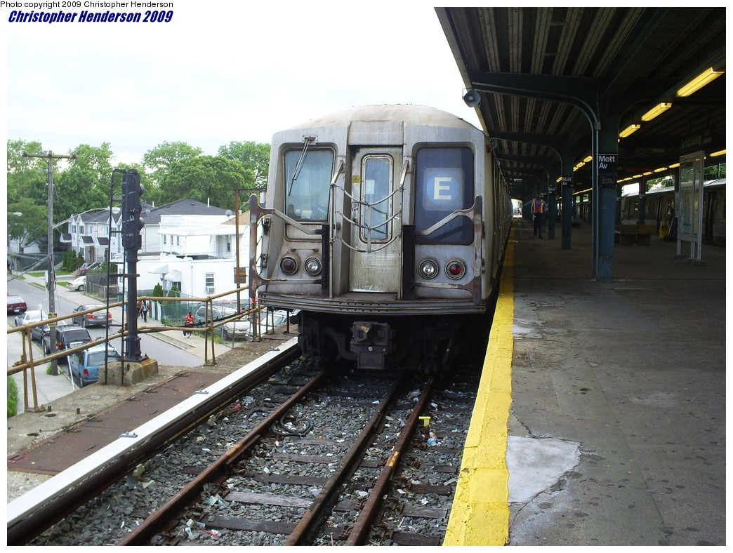 (239k, 1044x788)<br><b>Country:</b> United States<br><b>City:</b> New York<br><b>System:</b> New York City Transit<br><b>Line:</b> IND Rockaway<br><b>Location:</b> Mott Avenue/Far Rockaway <br><b>Route:</b> A<br><b>Car:</b> R-40 (St. Louis, 1968)  4425 <br><b>Photo by:</b> Christopher Henderson<br><b>Date:</b> 6/12/2009<br><b>Notes:</b> Wrong sign.<br><b>Viewed (this week/total):</b> 1 / 1559