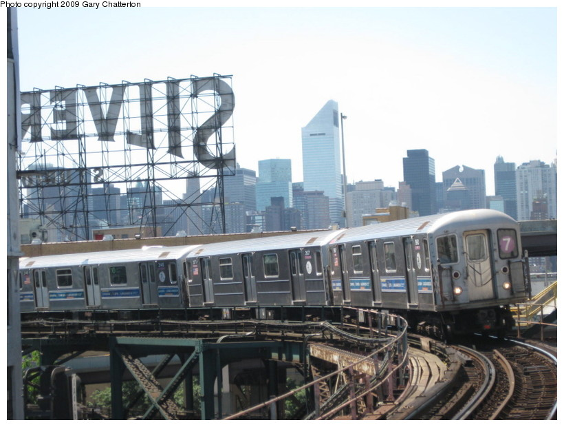 (134k, 820x620)<br><b>Country:</b> United States<br><b>City:</b> New York<br><b>System:</b> New York City Transit<br><b>Line:</b> IRT Flushing Line<br><b>Location:</b> Queensborough Plaza <br><b>Route:</b> 7<br><b>Car:</b> R-62A (Bombardier, 1984-1987)  1960 <br><b>Photo by:</b> Gary Chatterton<br><b>Date:</b> 7/15/2009<br><b>Viewed (this week/total):</b> 7 / 733