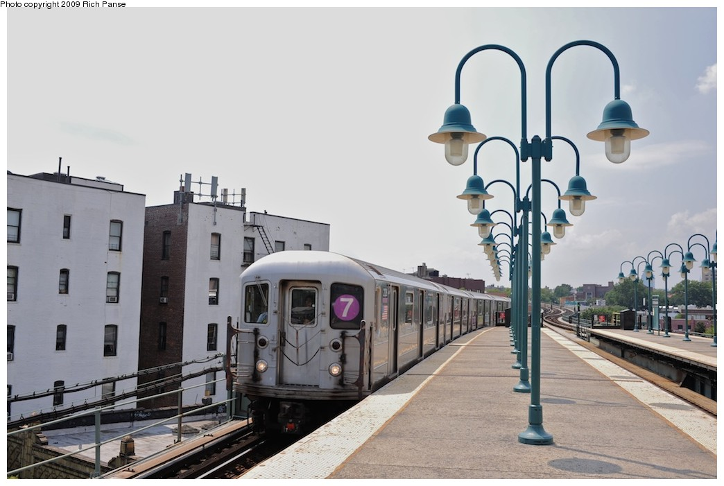 (153k, 1044x701)<br><b>Country:</b> United States<br><b>City:</b> New York<br><b>System:</b> New York City Transit<br><b>Line:</b> IRT Flushing Line<br><b>Location:</b> 61st Street/Woodside <br><b>Route:</b> 7<br><b>Car:</b> R-62A (Bombardier, 1984-1987)  2128 <br><b>Photo by:</b> Richard Panse<br><b>Date:</b> 8/3/2009<br><b>Viewed (this week/total):</b> 0 / 494