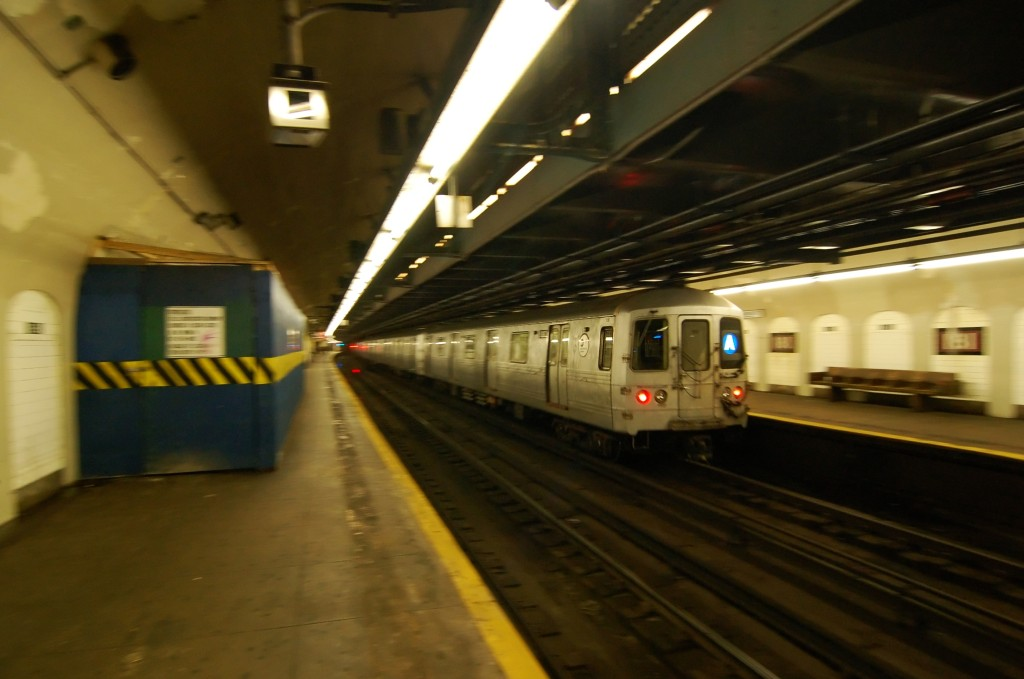 (180k, 1024x679)<br><b>Country:</b> United States<br><b>City:</b> New York<br><b>System:</b> New York City Transit<br><b>Line:</b> IND 8th Avenue Line<br><b>Location:</b> 181st Street <br><b>Route:</b> A<br><b>Car:</b> R-46 (Pullman-Standard, 1974-75) 6182 <br><b>Photo by:</b> Brian Weinberg<br><b>Date:</b> 8/2/2009<br><b>Viewed (this week/total):</b> 1 / 679
