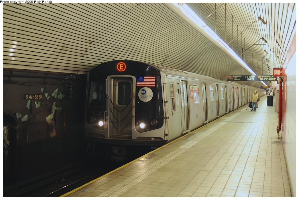 (196k, 1044x701)<br><b>Country:</b> United States<br><b>City:</b> New York<br><b>System:</b> New York City Transit<br><b>Line:</b> IND Queens Boulevard Line<br><b>Location:</b> 5th Avenue/53rd Street <br><b>Route:</b> E<br><b>Car:</b> R-160B (Option 1) (Kawasaki, 2008-2009)  9173 <br><b>Photo by:</b> Richard Panse<br><b>Date:</b> 8/18/2009<br><b>Viewed (this week/total):</b> 0 / 837