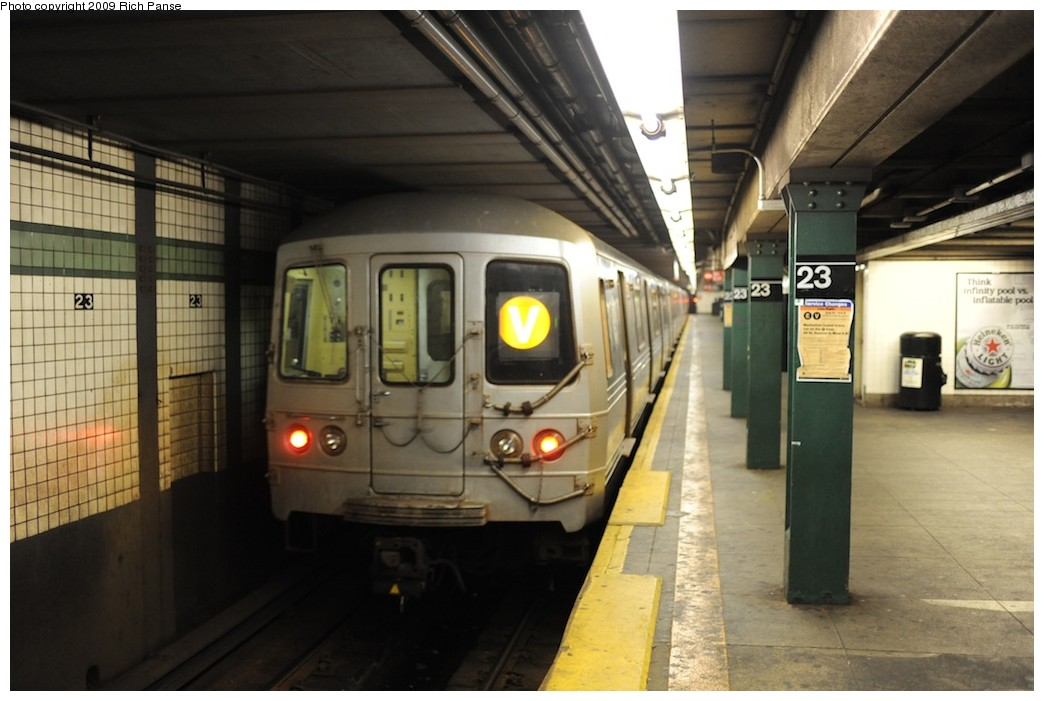 (156k, 1044x701)<br><b>Country:</b> United States<br><b>City:</b> New York<br><b>System:</b> New York City Transit<br><b>Line:</b> IND 6th Avenue Line<br><b>Location:</b> 23rd Street <br><b>Route:</b> V<br><b>Car:</b> R-46 (Pullman-Standard, 1974-75)  <br><b>Photo by:</b> Richard Panse<br><b>Date:</b> 8/18/2009<br><b>Viewed (this week/total):</b> 0 / 1236