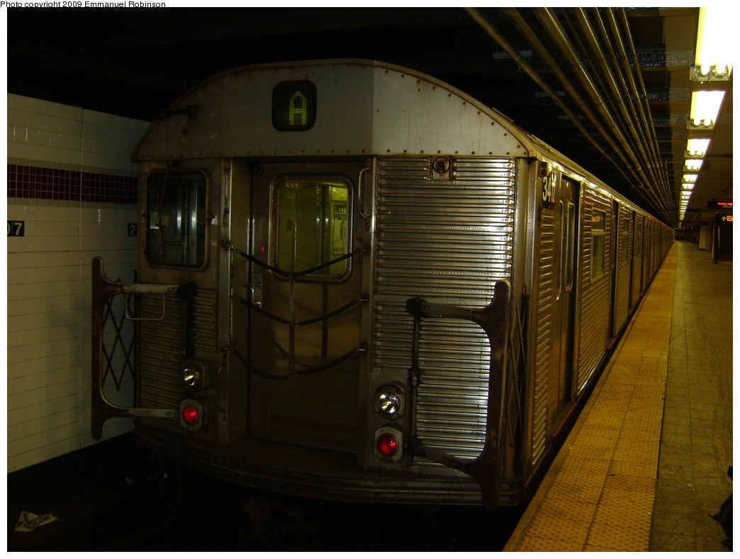 (212k, 1044x788)<br><b>Country:</b> United States<br><b>City:</b> New York<br><b>System:</b> New York City Transit<br><b>Line:</b> IND 8th Avenue Line<br><b>Location:</b> 207th Street <br><b>Route:</b> A<br><b>Car:</b> R-32 (Budd, 1964)  3417 <br><b>Photo by:</b> Emmanuel Robinson<br><b>Date:</b> 1/17/2008<br><b>Viewed (this week/total):</b> 1 / 297