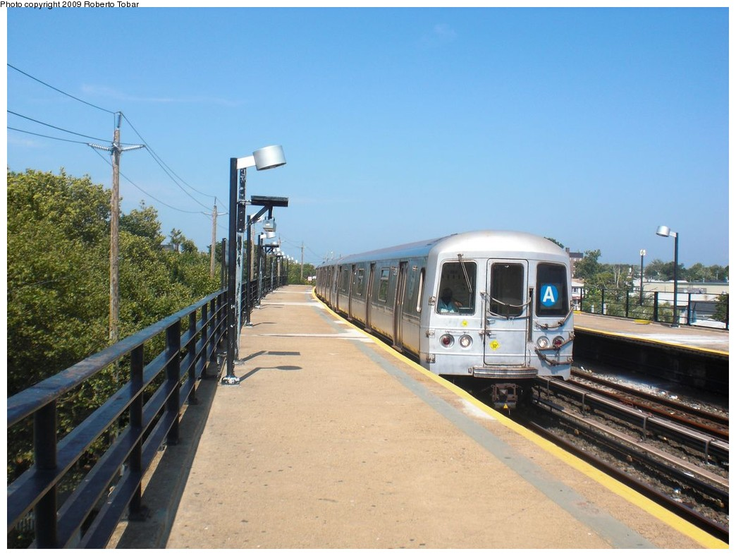 (228k, 1044x788)<br><b>Country:</b> United States<br><b>City:</b> New York<br><b>System:</b> New York City Transit<br><b>Line:</b> IND Rockaway<br><b>Location:</b> Beach 25th Street/Wavecrest <br><b>Route:</b> A<br><b>Car:</b> R-44 (St. Louis, 1971-73)  <br><b>Photo by:</b> Roberto C. Tobar<br><b>Date:</b> 8/21/2009<br><b>Viewed (this week/total):</b> 1 / 422
