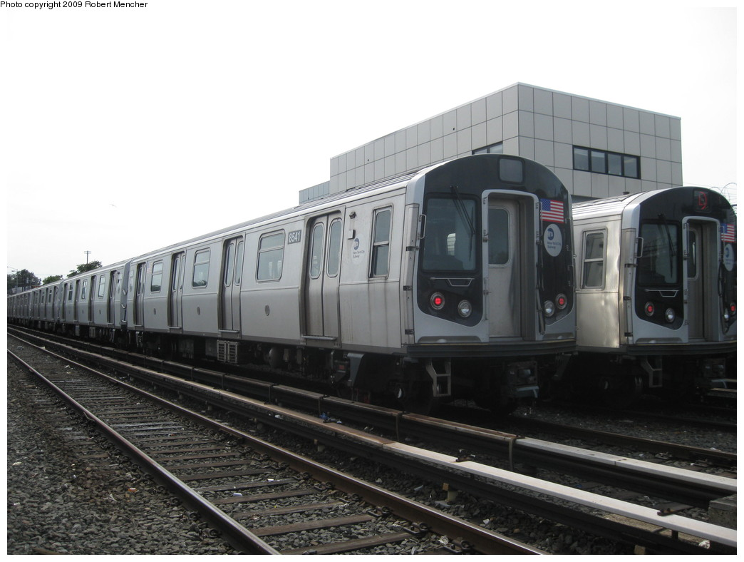 (176k, 1044x788)<br><b>Country:</b> United States<br><b>City:</b> New York<br><b>System:</b> New York City Transit<br><b>Location:</b> Rockaway Parkway (Canarsie) Yard<br><b>Car:</b> R-160A-1 (Alstom, 2005-2008, 4 car sets)  8541 <br><b>Photo by:</b> Robert Mencher<br><b>Date:</b> 9/7/2009<br><b>Viewed (this week/total):</b> 0 / 400