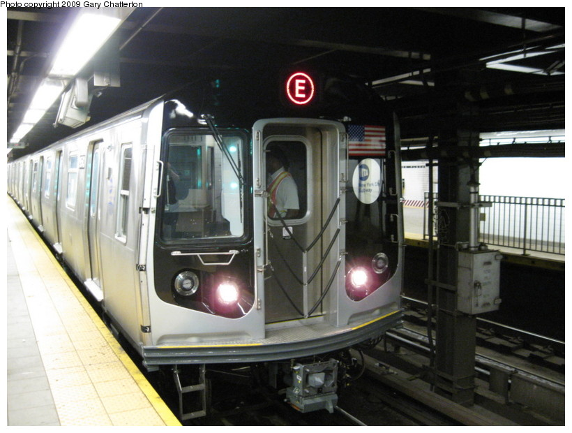 (131k, 820x620)<br><b>Country:</b> United States<br><b>City:</b> New York<br><b>System:</b> New York City Transit<br><b>Line:</b> IND Queens Boulevard Line<br><b>Location:</b> Queens Plaza <br><b>Route:</b> Testing<br><b>Car:</b> R-160A (Option 1) (Alstom, 2008-2009, 5 car sets)  9543 <br><b>Photo by:</b> Gary Chatterton<br><b>Date:</b> 8/28/2009<br><b>Viewed (this week/total):</b> 2 / 1378