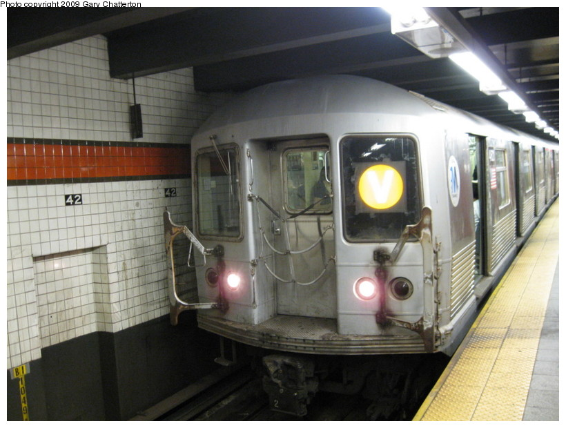 (131k, 820x620)<br><b>Country:</b> United States<br><b>City:</b> New York<br><b>System:</b> New York City Transit<br><b>Line:</b> IND 6th Avenue Line<br><b>Location:</b> 42nd Street/Bryant Park <br><b>Route:</b> V<br><b>Car:</b> R-42 (St. Louis, 1969-1970)  4621 <br><b>Photo by:</b> Gary Chatterton<br><b>Date:</b> 8/28/2009<br><b>Viewed (this week/total):</b> 0 / 931