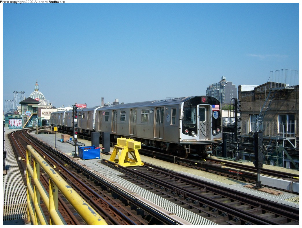 (259k, 1044x788)<br><b>Country:</b> United States<br><b>City:</b> New York<br><b>System:</b> New York City Transit<br><b>Line:</b> BMT Nassau Street/Jamaica Line<br><b>Location:</b> Marcy Avenue <br><b>Route:</b> M<br><b>Car:</b> R-160A-1 (Alstom, 2005-2008, 4 car sets)  8404 <br><b>Photo by:</b> Aliandro Brathwaite<br><b>Date:</b> 8/26/2009<br><b>Viewed (this week/total):</b> 0 / 1009