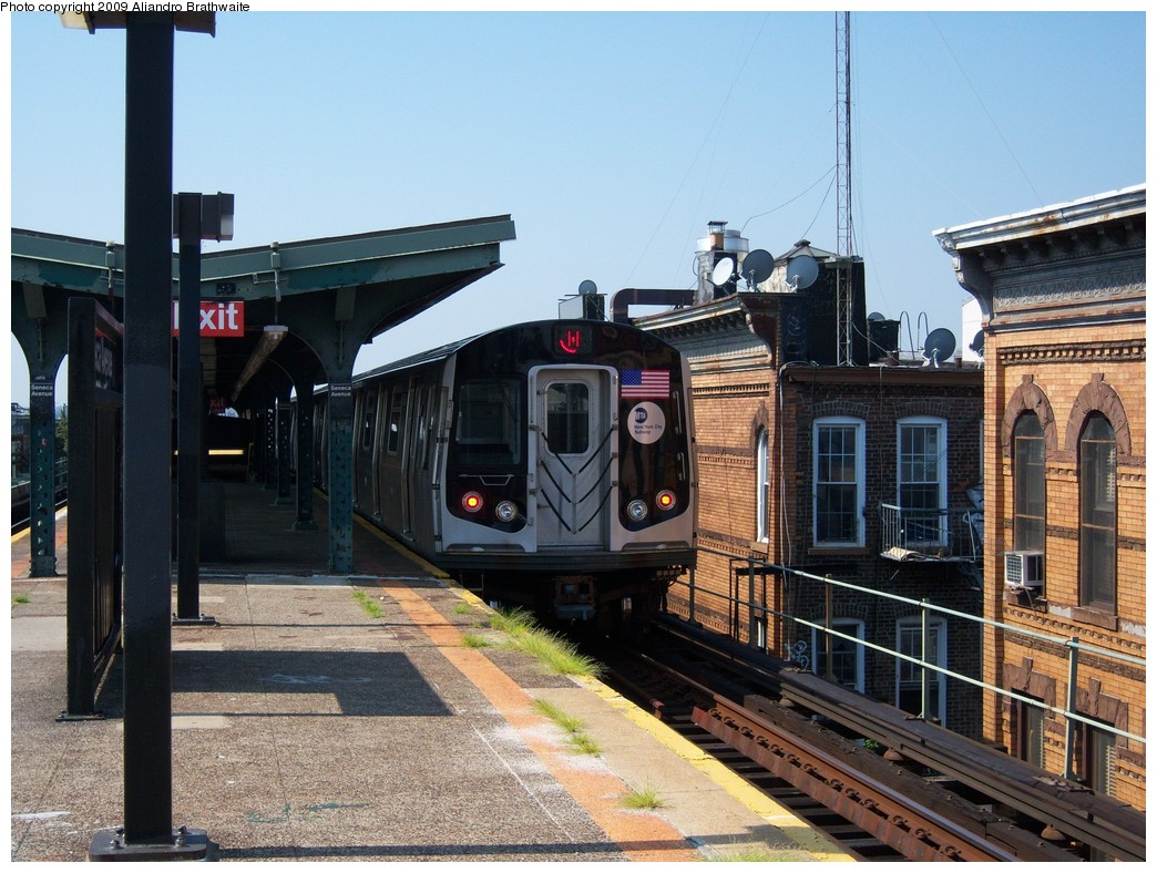 (261k, 1044x788)<br><b>Country:</b> United States<br><b>City:</b> New York<br><b>System:</b> New York City Transit<br><b>Line:</b> BMT Myrtle Avenue Line<br><b>Location:</b> Seneca Avenue <br><b>Route:</b> M<br><b>Car:</b> R-160A-1 (Alstom, 2005-2008, 4 car sets)  8540 <br><b>Photo by:</b> Aliandro Brathwaite<br><b>Date:</b> 8/26/2009<br><b>Viewed (this week/total):</b> 3 / 683