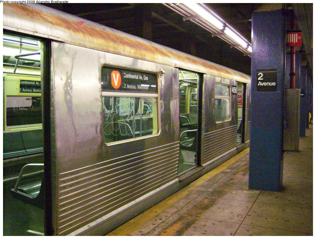 (312k, 1044x788)<br><b>Country:</b> United States<br><b>City:</b> New York<br><b>System:</b> New York City Transit<br><b>Line:</b> IND 6th Avenue Line<br><b>Location:</b> 2nd Avenue <br><b>Route:</b> V<br><b>Car:</b> R-42 (St. Louis, 1969-1970)  4656 <br><b>Photo by:</b> Aliandro Brathwaite<br><b>Date:</b> 8/11/2009<br><b>Viewed (this week/total):</b> 0 / 577