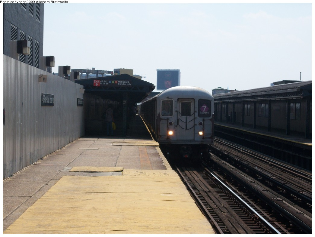(184k, 1044x788)<br><b>Country:</b> United States<br><b>City:</b> New York<br><b>System:</b> New York City Transit<br><b>Line:</b> IRT Flushing Line<br><b>Location:</b> Court House Square/45th Road <br><b>Route:</b> 7<br><b>Car:</b> R-62A (Bombardier, 1984-1987)  1991 <br><b>Photo by:</b> Aliandro Brathwaite<br><b>Date:</b> 8/26/2009<br><b>Viewed (this week/total):</b> 1 / 768