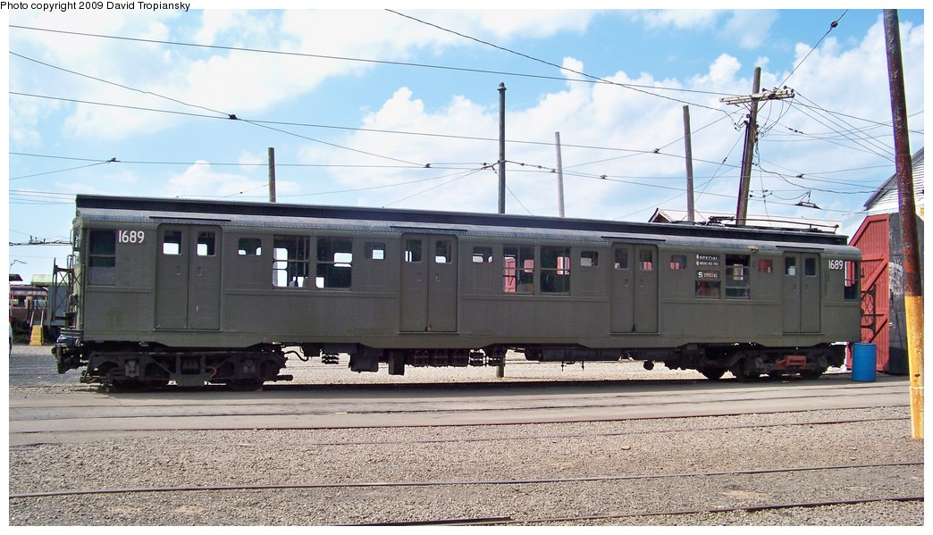 (216k, 1044x599)<br><b>Country:</b> United States<br><b>City:</b> East Haven/Branford, Ct.<br><b>System:</b> Shore Line Trolley Museum <br><b>Car:</b> R-9 (American Car & Foundry, 1940)  1689 <br><b>Photo by:</b> David Tropiansky<br><b>Date:</b> 9/5/2009<br><b>Viewed (this week/total):</b> 9 / 1447