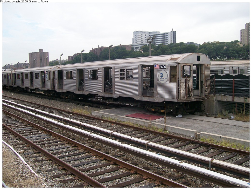 (268k, 1044x788)<br><b>Country:</b> United States<br><b>City:</b> New York<br><b>System:</b> New York City Transit<br><b>Location:</b> 207th Street Yard<br><b>Car:</b> R-32 (Budd, 1964)  3690 <br><b>Photo by:</b> Glenn L. Rowe<br><b>Date:</b> 9/23/2009<br><b>Notes:</b> Scrap<br><b>Viewed (this week/total):</b> 1 / 453