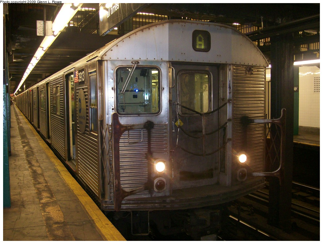 (223k, 1044x788)<br><b>Country:</b> United States<br><b>City:</b> New York<br><b>System:</b> New York City Transit<br><b>Line:</b> IND 8th Avenue Line<br><b>Location:</b> 181st Street <br><b>Route:</b> A<br><b>Car:</b> R-32 (Budd, 1964)  3913 <br><b>Photo by:</b> Glenn L. Rowe<br><b>Date:</b> 9/23/2009<br><b>Viewed (this week/total):</b> 1 / 440
