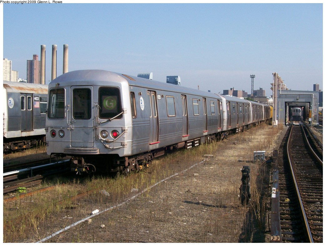 (248k, 1044x788)<br><b>Country:</b> United States<br><b>City:</b> New York<br><b>System:</b> New York City Transit<br><b>Location:</b> 207th Street Yard<br><b>Car:</b> R-46 (Pullman-Standard, 1974-75) 6120 <br><b>Photo by:</b> Glenn L. Rowe<br><b>Date:</b> 9/28/2009<br><b>Viewed (this week/total):</b> 0 / 1050