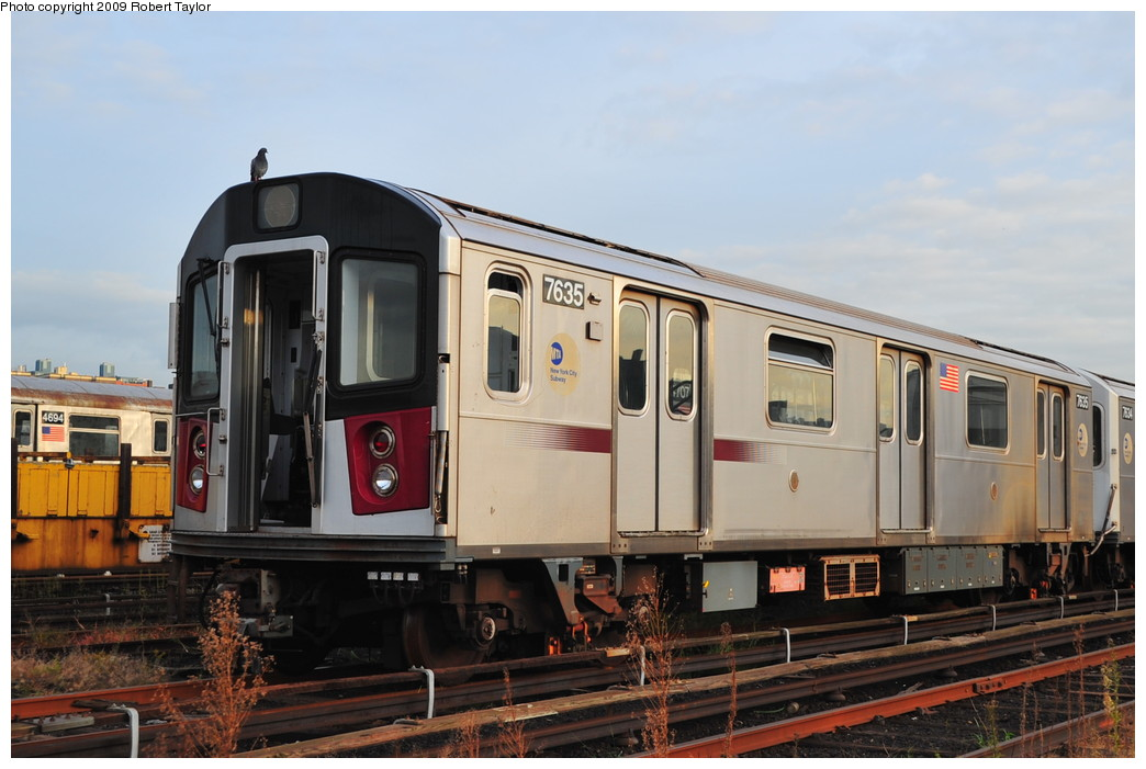 (232k, 1044x701)<br><b>Country:</b> United States<br><b>City:</b> New York<br><b>System:</b> New York City Transit<br><b>Location:</b> 207th Street Yard<br><b>Car:</b> R-142A (Option Order, Kawasaki, 2002-2003)  7635 <br><b>Photo by:</b> Robert Taylor<br><b>Date:</b> 9/22/2009<br><b>Viewed (this week/total):</b> 0 / 855