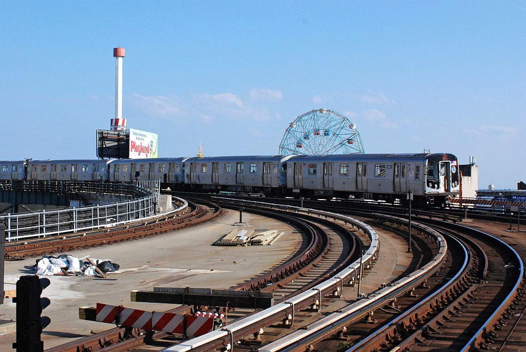 (143k, 1024x686)<br><b>Country:</b> United States<br><b>City:</b> New York<br><b>System:</b> New York City Transit<br><b>Location:</b> Coney Island/Stillwell Avenue<br><b>Route:</b> Q<br><b>Car:</b> R-160A/R-160B Series (Number Unknown)  <br><b>Photo by:</b> Richard Chase<br><b>Date:</b> 8/30/2009<br><b>Viewed (this week/total):</b> 0 / 815