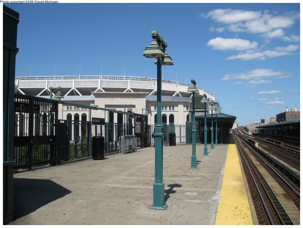 (195k, 1044x788)<br><b>Country:</b> United States<br><b>City:</b> New York<br><b>System:</b> New York City Transit<br><b>Line:</b> IRT Woodlawn Line<br><b>Location:</b> 161st Street/River Avenue (Yankee Stadium) <br><b>Photo by:</b> David M. <br><b>Date:</b> 9/1/2009<br><b>Notes:</b> View of new Stadium.<br><b>Viewed (this week/total):</b> 1 / 1206