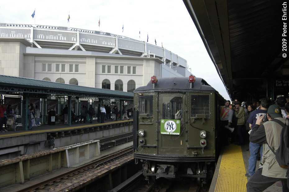 (188k, 930x618)<br><b>Country:</b> United States<br><b>City:</b> New York<br><b>System:</b> New York City Transit<br><b>Line:</b> IRT Woodlawn Line<br><b>Location:</b> 161st Street/River Avenue (Yankee Stadium) <br><b>Route:</b> Fan Trip<br><b>Car:</b> Low-V (Museum Train) 5292 <br><b>Photo by:</b> Peter Ehrlich<br><b>Date:</b> 10/9/2009<br><b>Notes:</b> Yankee Stadium Special<br><b>Viewed (this week/total):</b> 0 / 822