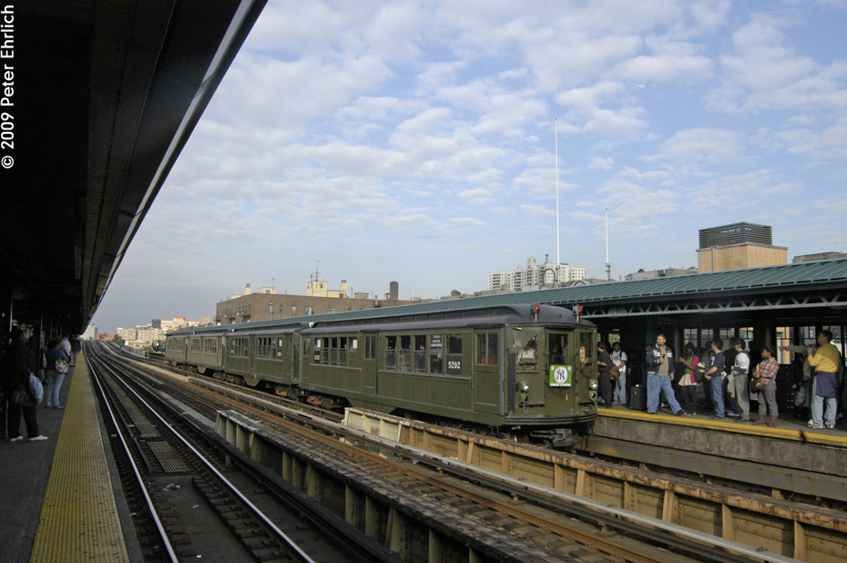 (192k, 930x618)<br><b>Country:</b> United States<br><b>City:</b> New York<br><b>System:</b> New York City Transit<br><b>Line:</b> IRT Woodlawn Line<br><b>Location:</b> 161st Street/River Avenue (Yankee Stadium) <br><b>Route:</b> Fan Trip<br><b>Car:</b> Low-V (Museum Train) 5292 <br><b>Photo by:</b> Peter Ehrlich<br><b>Date:</b> 10/9/2009<br><b>Notes:</b> Yankee Stadium Special<br><b>Viewed (this week/total):</b> 2 / 482