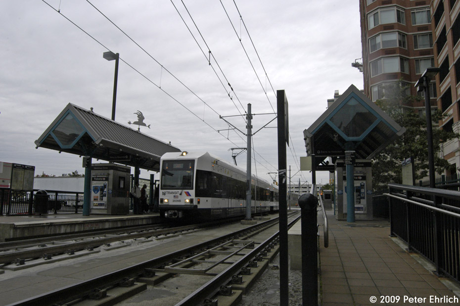 (186k, 930x618)<br><b>Country:</b> United States<br><b>City:</b> Jersey City, NJ<br><b>System:</b> Hudson Bergen Light Rail<br><b>Location:</b> Harsimus Cove <br><b>Car:</b> NJT-HBLR LRV (Kinki-Sharyo, 1998-99)  2039 <br><b>Photo by:</b> Peter Ehrlich<br><b>Date:</b> 10/9/2009<br><b>Notes:</b> Outbound.<br><b>Viewed (this week/total):</b> 0 / 159