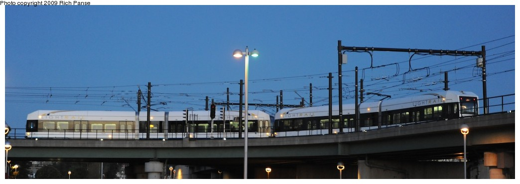 (83k, 1044x369)<br><b>Country:</b> United States<br><b>City:</b> Jersey City, NJ<br><b>System:</b> Hudson Bergen Light Rail<br><b>Location:</b> Between Newport & Hoboken <br><b>Photo by:</b> Richard Panse<br><b>Date:</b> 10/8/2009<br><b>Notes:</b> Hoboken Wye<br><b>Viewed (this week/total):</b> 1 / 345