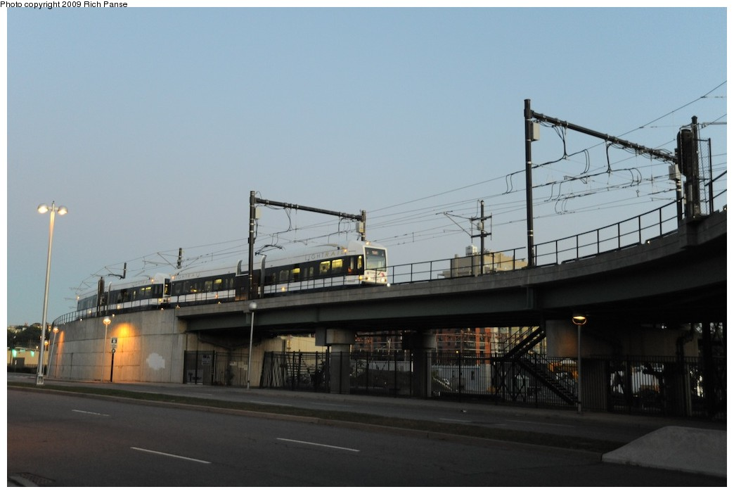 (120k, 1044x702)<br><b>Country:</b> United States<br><b>City:</b> Jersey City, NJ<br><b>System:</b> Hudson Bergen Light Rail<br><b>Location:</b> Between Newport & Hoboken <br><b>Photo by:</b> Richard Panse<br><b>Date:</b> 10/8/2009<br><b>Notes:</b> Hoboken Wye<br><b>Viewed (this week/total):</b> 0 / 269