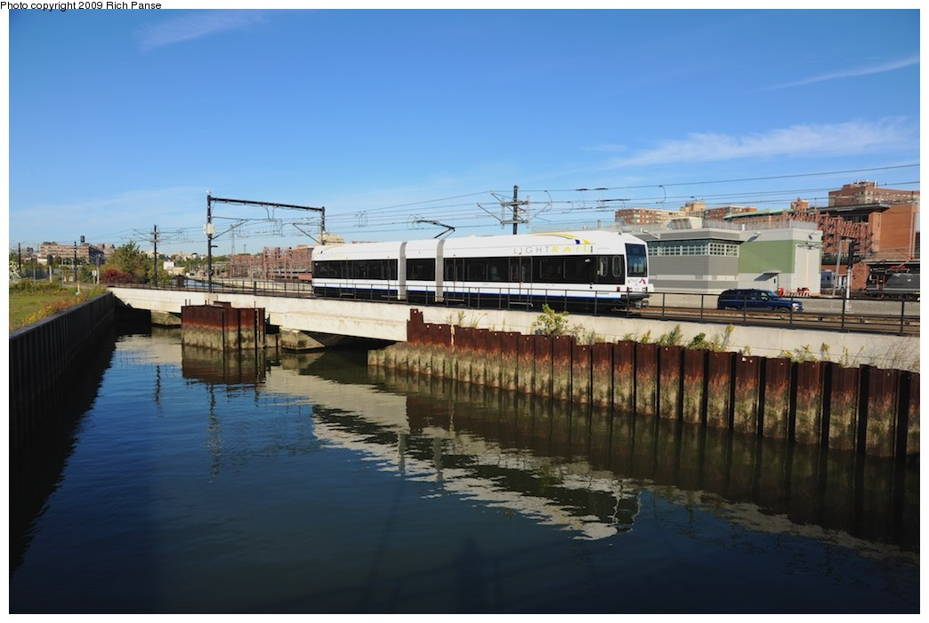 (146k, 1044x701)<br><b>Country:</b> United States<br><b>City:</b> Hoboken, NJ<br><b>System:</b> Hudson Bergen Light Rail<br><b>Location:</b> Hoboken <br><b>Photo by:</b> Richard Panse<br><b>Date:</b> 10/11/2009<br><b>Notes:</b> View from Hudson walkway.<br><b>Viewed (this week/total):</b> 0 / 134