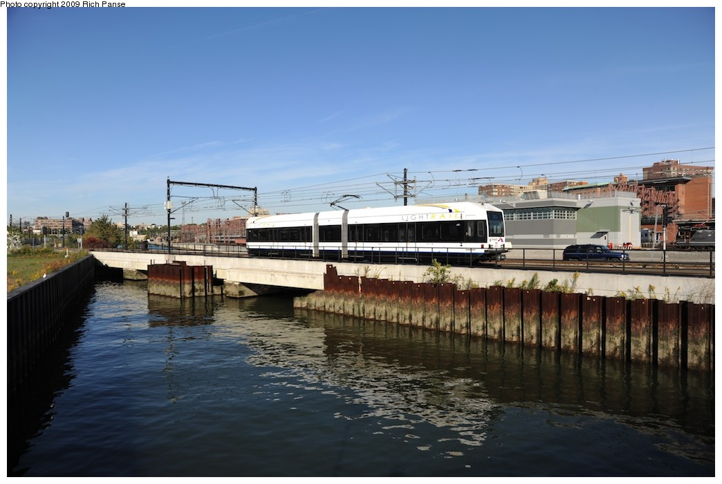 (154k, 1044x701)<br><b>Country:</b> United States<br><b>City:</b> Hoboken, NJ<br><b>System:</b> Hudson Bergen Light Rail<br><b>Location:</b> Hoboken <br><b>Photo by:</b> Richard Panse<br><b>Date:</b> 10/11/2009<br><b>Viewed (this week/total):</b> 2 / 104