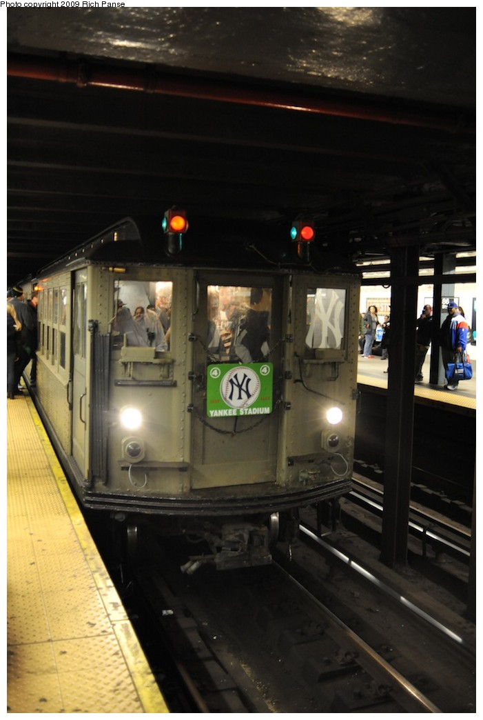 (142k, 701x1044)<br><b>Country:</b> United States<br><b>City:</b> New York<br><b>System:</b> New York City Transit<br><b>Line:</b> IRT East Side Line<br><b>Location:</b> Grand Central <br><b>Route:</b> Fan Trip<br><b>Car:</b> Low-V (Museum Train)  <br><b>Photo by:</b> Richard Panse<br><b>Date:</b> 10/16/2009<br><b>Notes:</b> Yankees special.<br><b>Viewed (this week/total):</b> 0 / 619